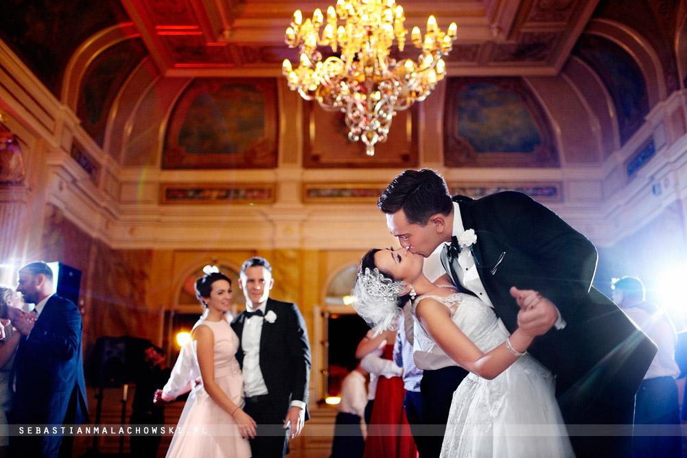 IMAGE: http://sebastianmalachowski.pl/blog/wp-content/uploads/2013/12/61re.jpg